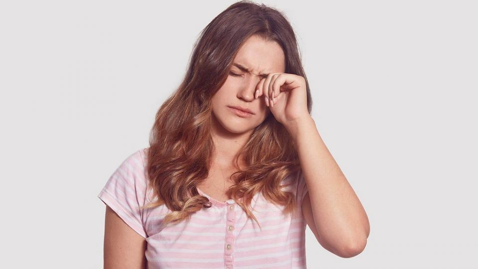 How does rubbing your eyes damage vision